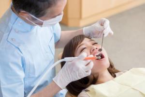 虫歯治療中の写真